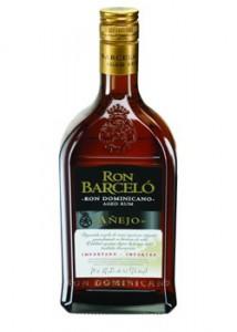 El Ron Añejo es envejecido en barricas de roble previamente llenadas con bourbon americano, único en su tipo.